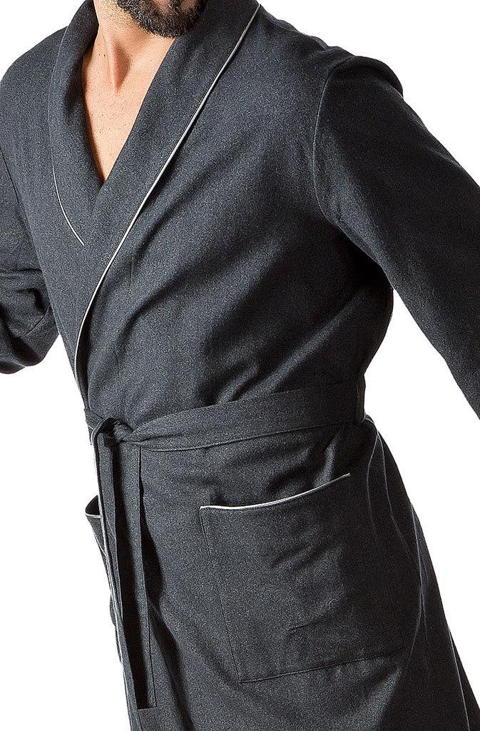 Антрацитовый мужской халат B&B