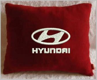 Подушка автомобильная с логотипом Hyundai