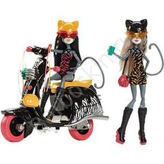 Куклы  Монстр Хай  Пурсифона и Мяулодия со скутером - Monster High Werecats Sisters and Scooter, Mattel
