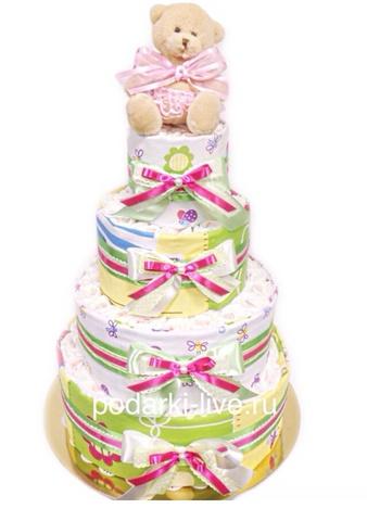 Торт из подгузников и комплекта постельного белья