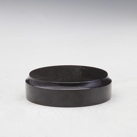 Подставка из черного нефрита круглая диам. 60мм