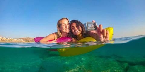 Экшн-камера GoPro HERO7 White Edition (CHDHB-601-LE) лайфстайл