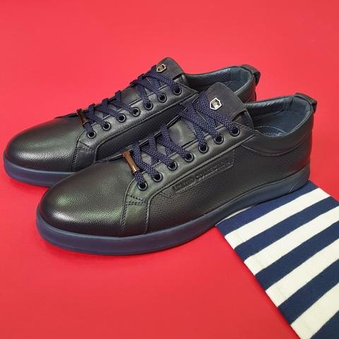 Кожаные кроссовки на шнурках