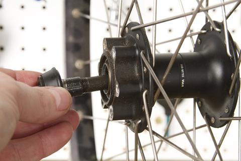 Замена втулки колеса