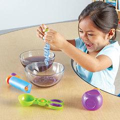 Развиваем моторику рук с Набором инструментов Маленькие ручки. Вода и песок Learning Resources