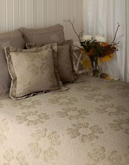 Покрывало 220x240 Luxberry Golden Cloud бежевое