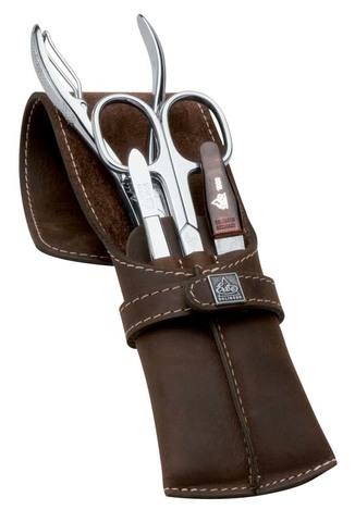 Немецкий фирменный маникюрный набор в 4 предмета ножницы для ногтей кусачки для ногтей пинцет наклонный пилка металлическая из высококачественной стали в коричневом футляре из натуральной кожи Solinger Erbe 9719ER в подарочной коробке