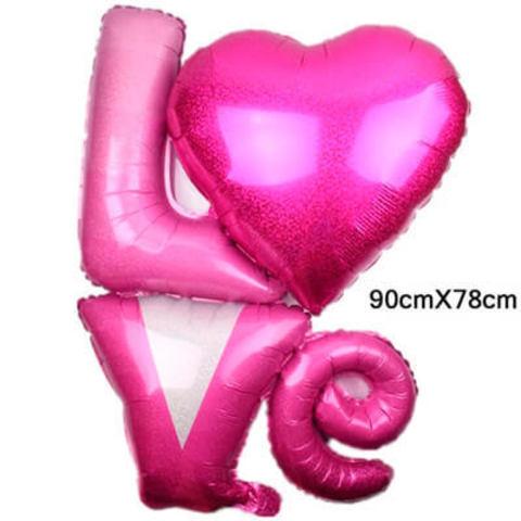 Фигура буквы LOVE голография