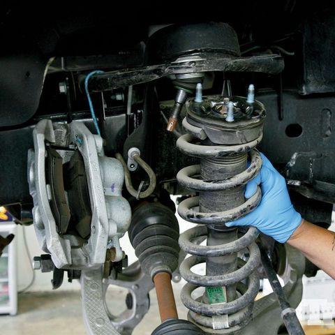 Замена стоек: ремонт стоек и переборка
