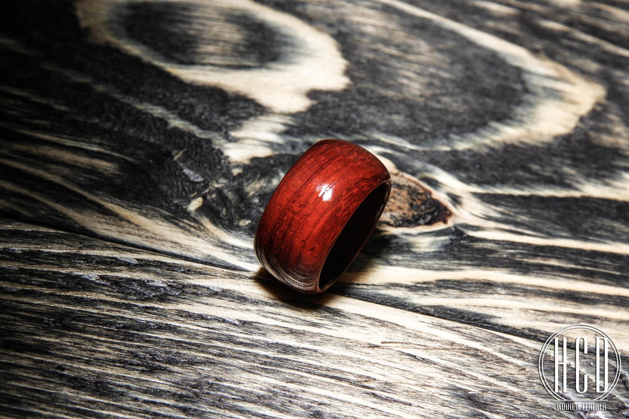 Деревянное кольцо