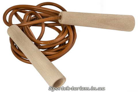 Детская скакалка с пластиковым шнуром 2.75 м и деревянными ручками