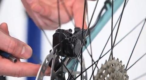 Замена колодок дисковых тормозов