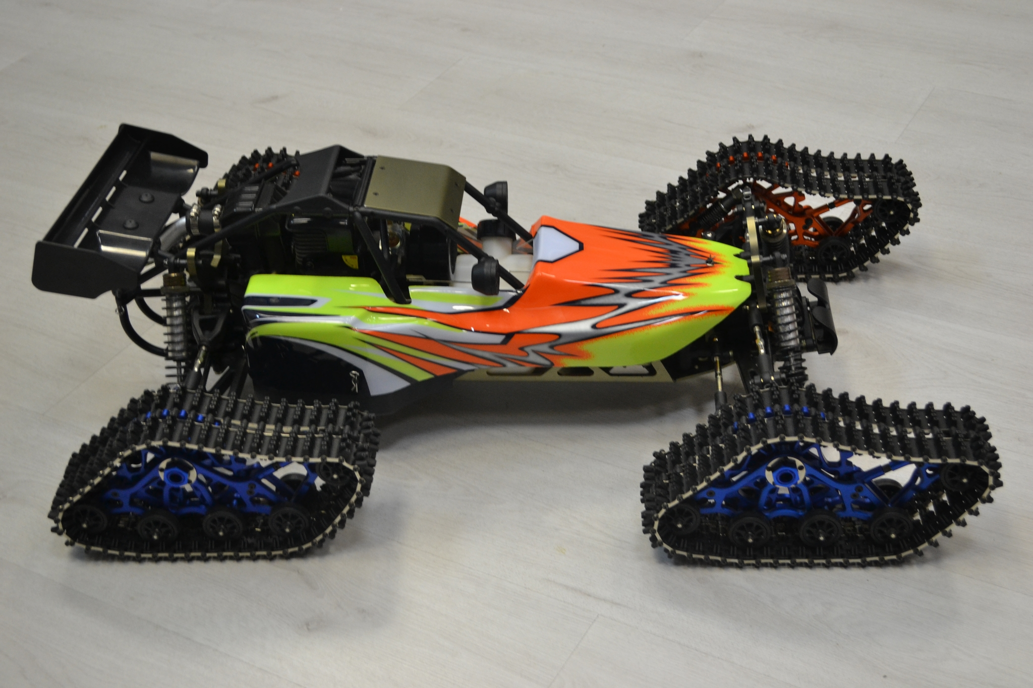 Багги HSP Gasoline 94056  Off Road Buggy 32СC Snowfields Edition 4WD RTR в масштабе 1/5 на бензине