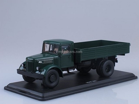 MAZ-200 board dark green 1:43 Start Scale Models (SSM)