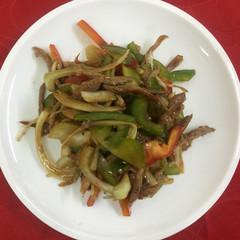 15-14Салат утка с овощами под соусом