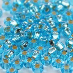 67010 Бисер 5/0 Preciosa прозрачный голубой с серебряным квадратным центром