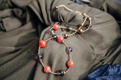 Удлинённое красное классическое ожерелье из муранского стекла с крупными бусинами