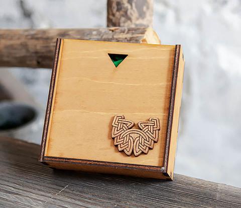 Деревянная подарочная коробка для браслета (9,5*9,5*3,5 см)