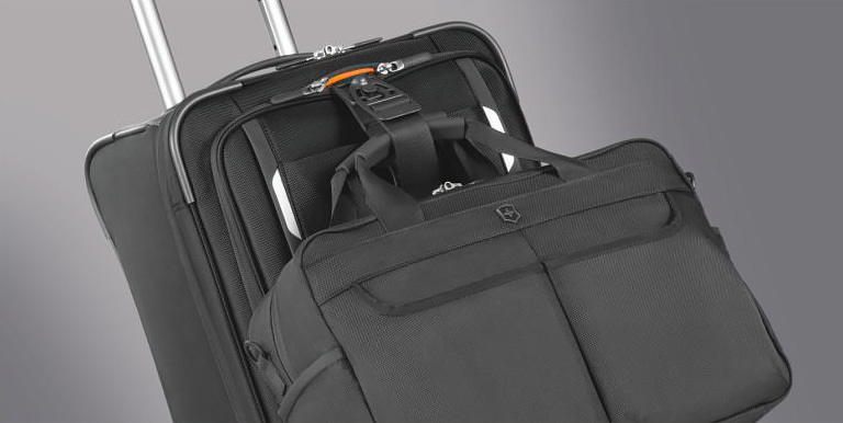 Чемодан Victorinox Werks Traveler 5.0 Dual-Caster 24'', синий, 44x30x61 см, 81,4 л