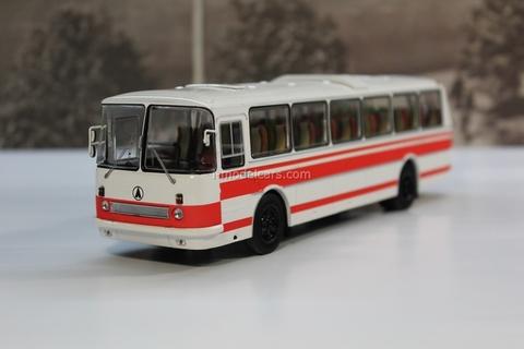 LAZ 699R white-red Classicbus 1:43
