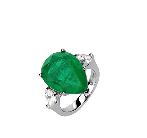 Кольцо из серебра с темно-зеленым каплевидным кварцем