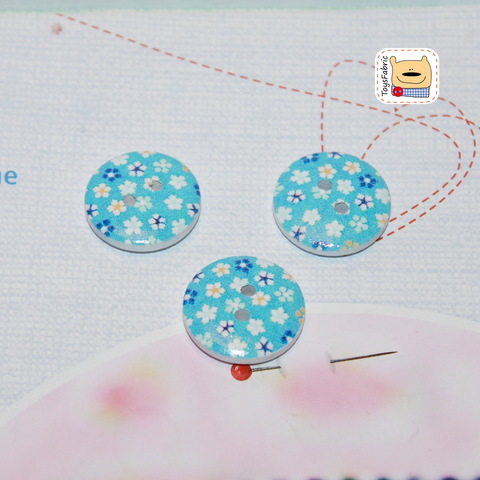 Пуговица BWA18-9 (голубая в цветочек)