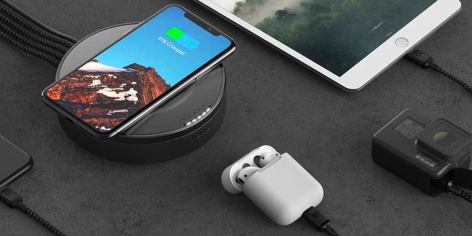 Хаб с беспроводной зарядкой Nomad Wireless Hub пример использования