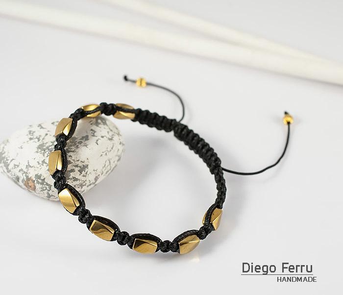 BS685 Браслет шамбала из золотистого гематита, ручная работа. «Diego Ferru»