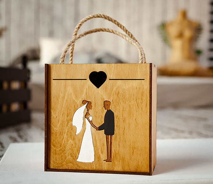 BOX238-2 Деревянная коробка для подарка на свадьбу (17*17*10 см)