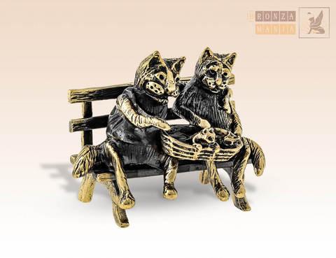 фигурка Кот и кошка с котятами в корзинке