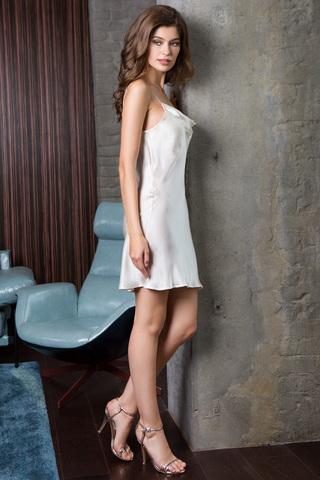 Сорочка женская шелковая молочного цвета