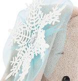 Зайка Ми со снежинкой на ушке