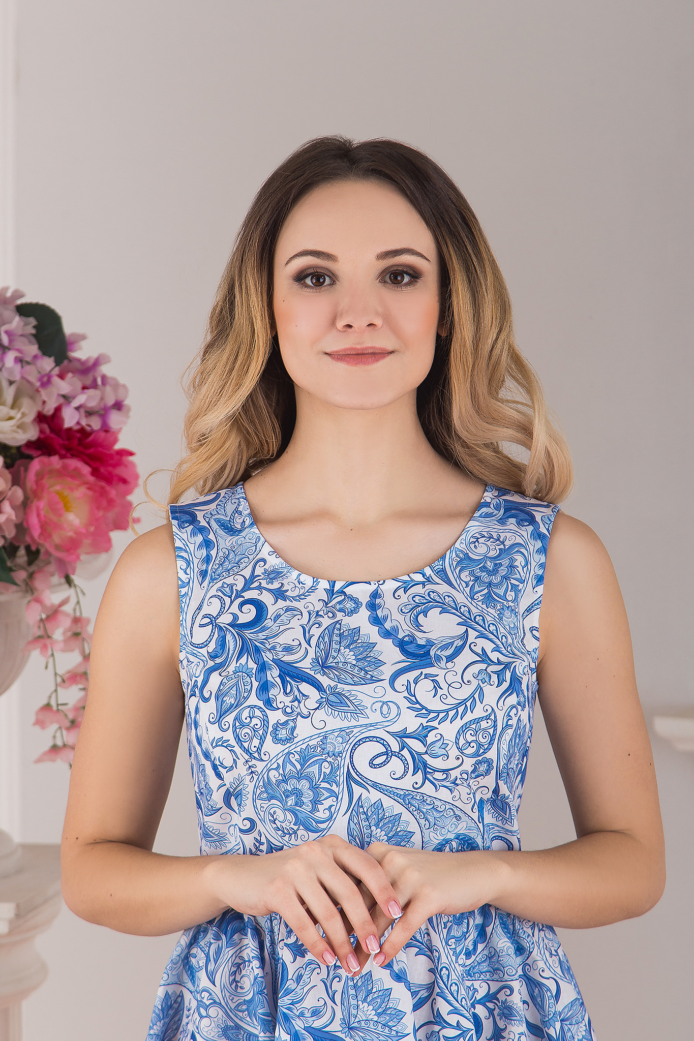 Платье современное хлопковое Колокольчик Гжель от Иванка приближенный фрагмент