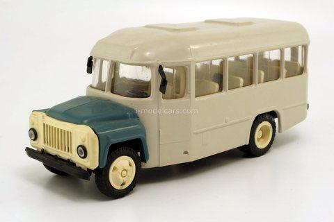 KAVZ-3270 bus (early version) light gray-blue Kompanion 1:43