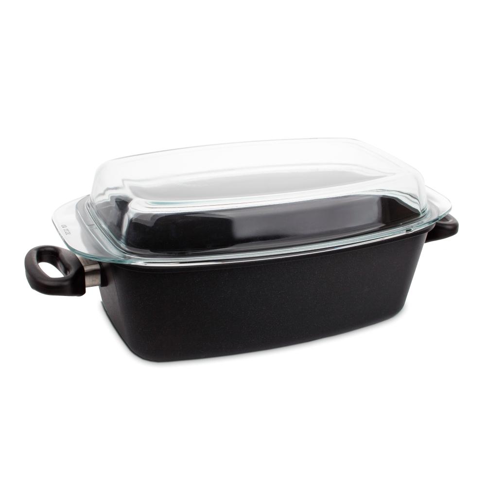 Утятница с крышкой 33х21 см (5,5 л) AMT Frying Pans арт. AMT 3321Жаровни<br>Утятница с крышкой 33х21 см (5,5 л) AMT Frying Pans арт. AMT 3321<br><br>высота (см): 11.0диаметр (см): 33.0толщина дна (см): 1крышка: естьматериал: алюминийпокрытие: антипригарноепредметов в наборе (штук): 1ручки: фиксированныестрана: Германиятип варочной поверхности: все типы поверхностей, кроме индукционной<br>Компания AMT сделала приготовление пищи творческим и инновационным процессом, предложив новую линейку посуды Diamond Crystal из литого алюминия с антипригарным покрытием.<br>Сложное 6-слойное покрытие гарантирует отменное качество каждого изделия и позволяет использовать продукцию практически на всех видах плит, кроме индукционных.<br>Сочетание высоких технических характеристик и стильного дизайна позволяет отнести сотейники Diamond Crystal к классу профессиональных. Покупая продукцию компании AMT, вы можете быть уверены в её высоком качестве и надёжности.<br>Внимание! Не рекомендуется использование металлических предметов.<br><br><br>Рекомендации по уходу за посудой AMT<br>Посуда AMT, изготовленная из высококачественного литого алюминия, это прекрасный выбор. Изделия AMT будут служить долгие годы при условии соблюдения правил эксплуатации и ухода.<br><br>Посуду следует вымыть теплой водой с жидким моющим средством и тщательно вытереть насухо мягкой тканью.<br>После этого, следует нанести несколько капель растительного масла на внутреннюю поверхность и натереть бумажной или тканой салфеткой.<br>Не следует прокаливать пустую посуду.<br>Перед первым использованием изделие следует поставить на конфорку и нагреть в течение 2-3 минут. Затем добавить нужное количество масла и приготовляемый продукт.<br>Благодаря равномерному распределению тепла и сохранению заданной температуры длительное время, есть прекрасная возможность экономить энергию: конфорку можно выключить заранее или поставить на минимум и приготовленное блюдо «дойдет» до готовности в нагретой посуде.<br>При перегреве изделия, 