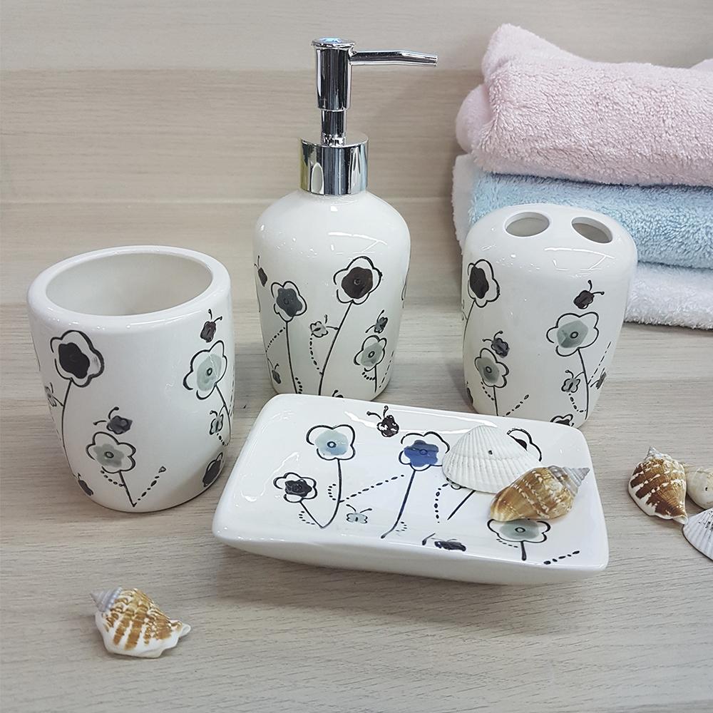 Ванный набор, керамика, белый с темно цветочным принтом.