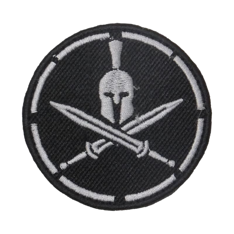 Нашивка шлем с мечами