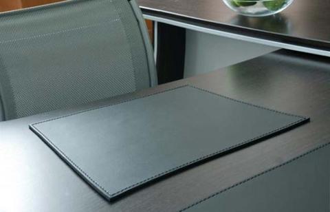 Коврик для стола, кожа натуральная Модель 2.