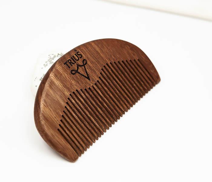 RAZ246-2 Расческа гребень для бороды TRIUS из дерева фото 03