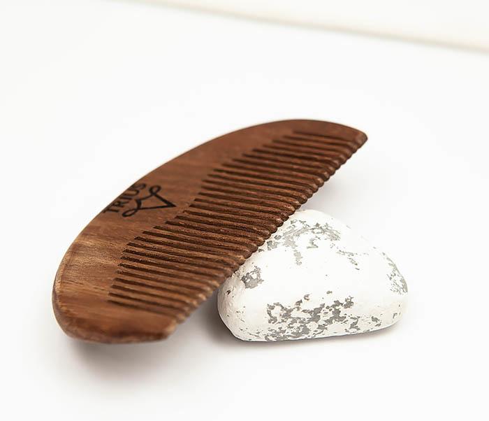 RAZ246-2 Расческа гребень для бороды TRIUS из дерева фото 04