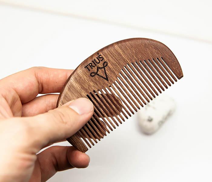 RAZ246-2 Расческа гребень для бороды TRIUS из дерева фото 05