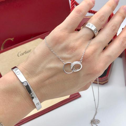 Серебряный браслет из коллекции LOVE без отвертки