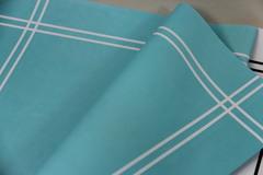 Бумага крафт с полоской по краю, 60*60 см, 1 лист.