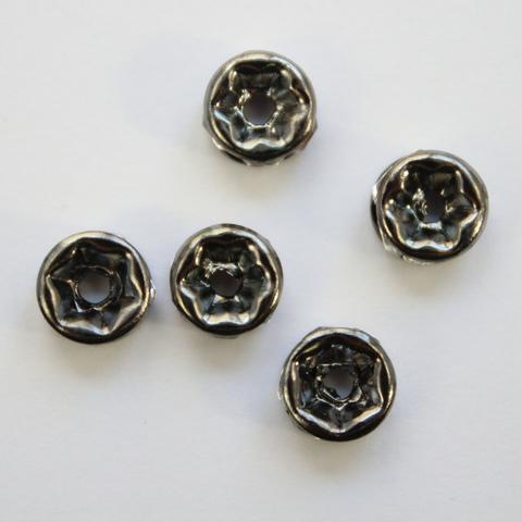 Бусина - рондель 6х3 мм с прозрачными фианитами (цвет - черный никель), 5 штук