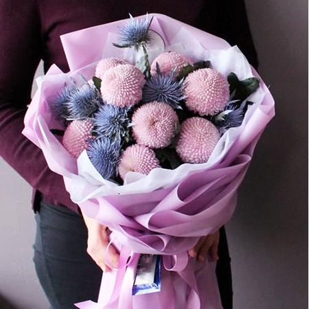Купить шикарный вип оригинальный букет из розовых хризантем в Перми