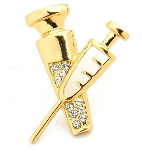 Брошь Шприц с колбочкой (золотой цвет)