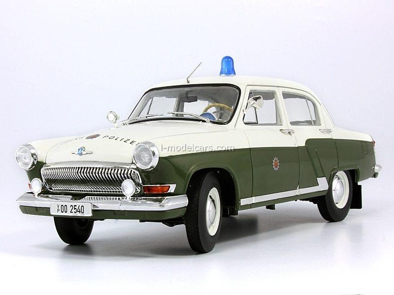 GAZ-M21 Volga Volkspolizei Police DDR CCC052 IST Models 1:43