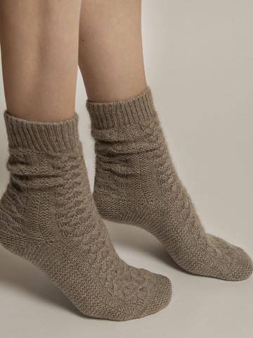 Женские носки бежевого цвета из 100% кашемира - фото 4