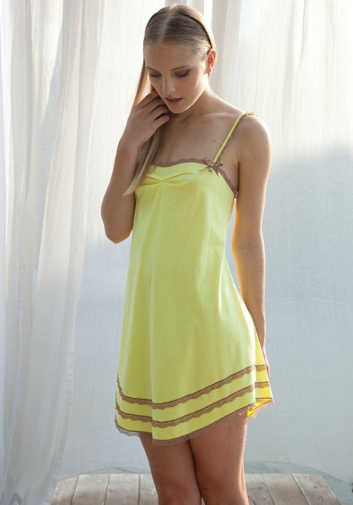 Легкая ночная сорочка Rebecca & Bros