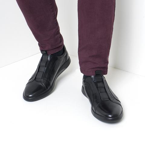 Кожаные кроссовки на каждый день